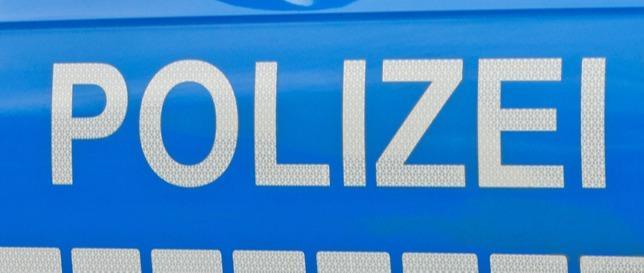 VW-Bus touchiert, 3000 Euro Schaden