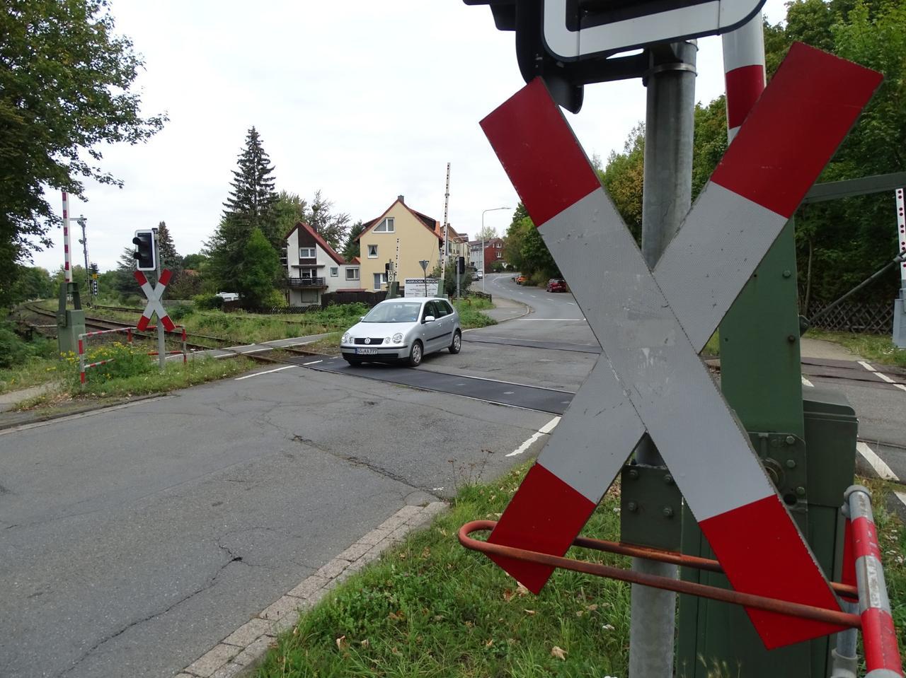 Bündheimer Bahnübergang in Ferien gesperrt