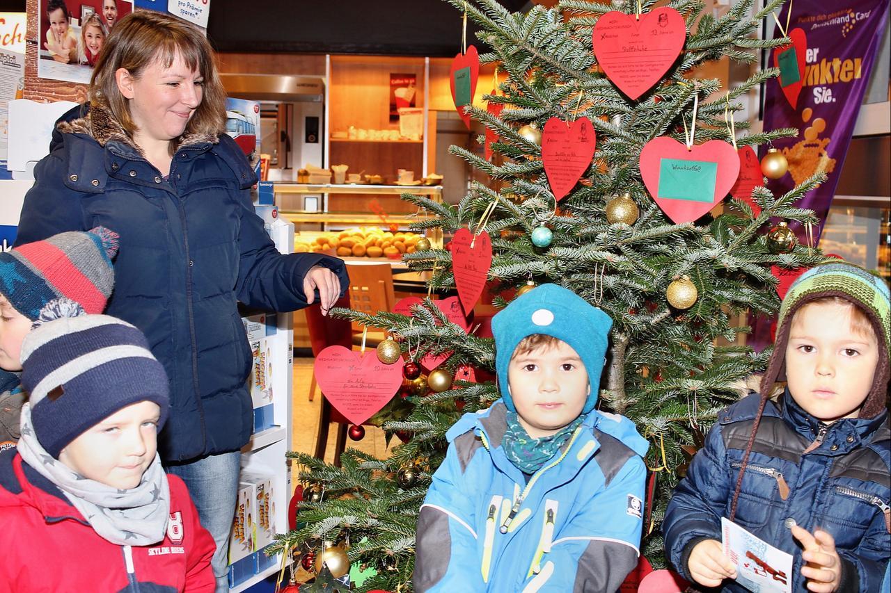 Weihnachtswünsche auf Wunsch-Herzen