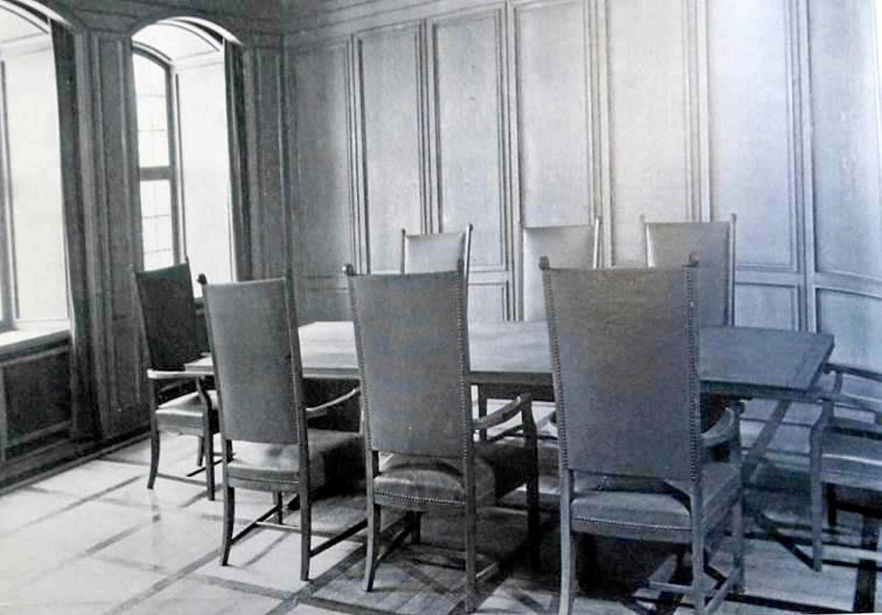 Rathaus-Sessel weg: Da setzt du dich nieder