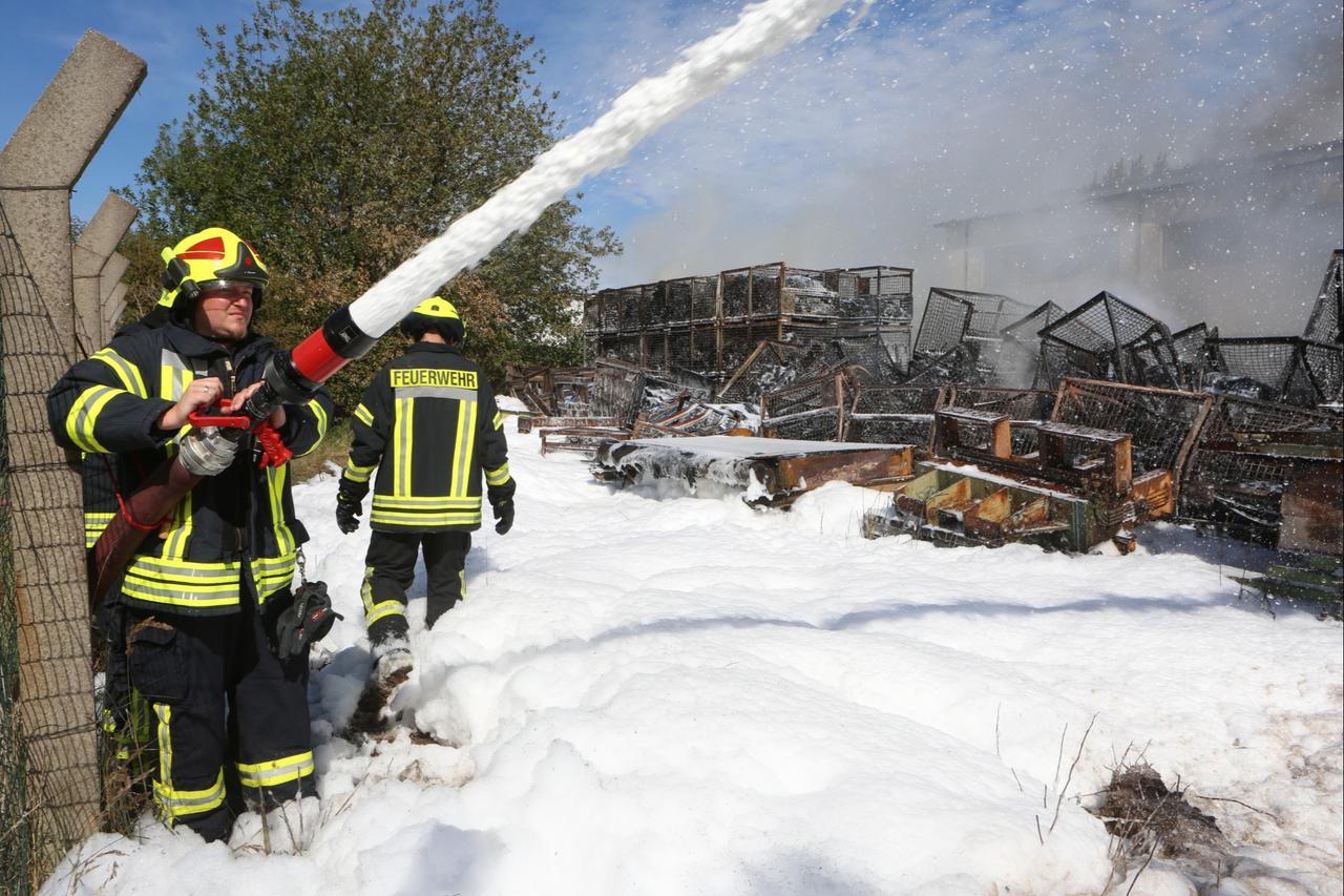 Brandstiftung wohl Ursache für Großfeuer