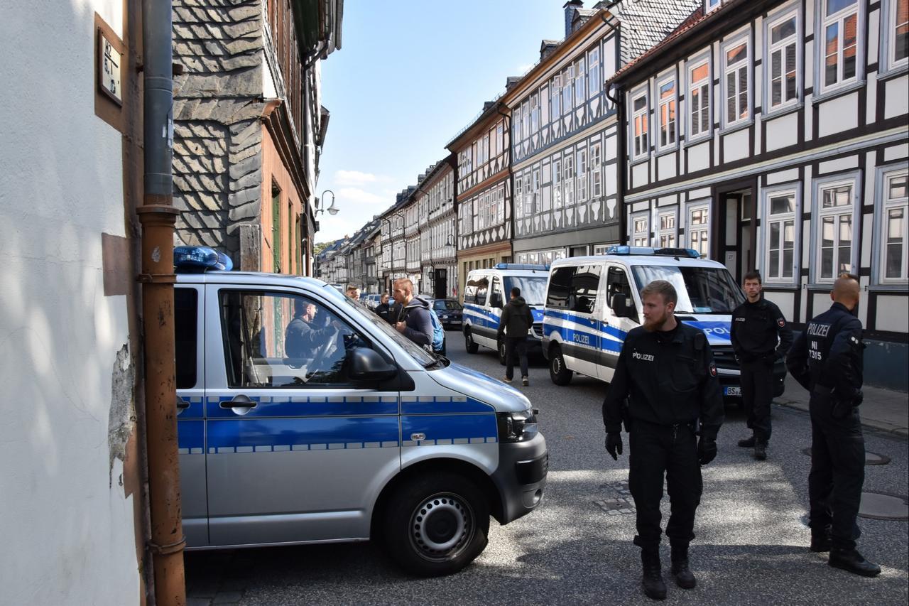 Drogenrazzia in Breiter Straße