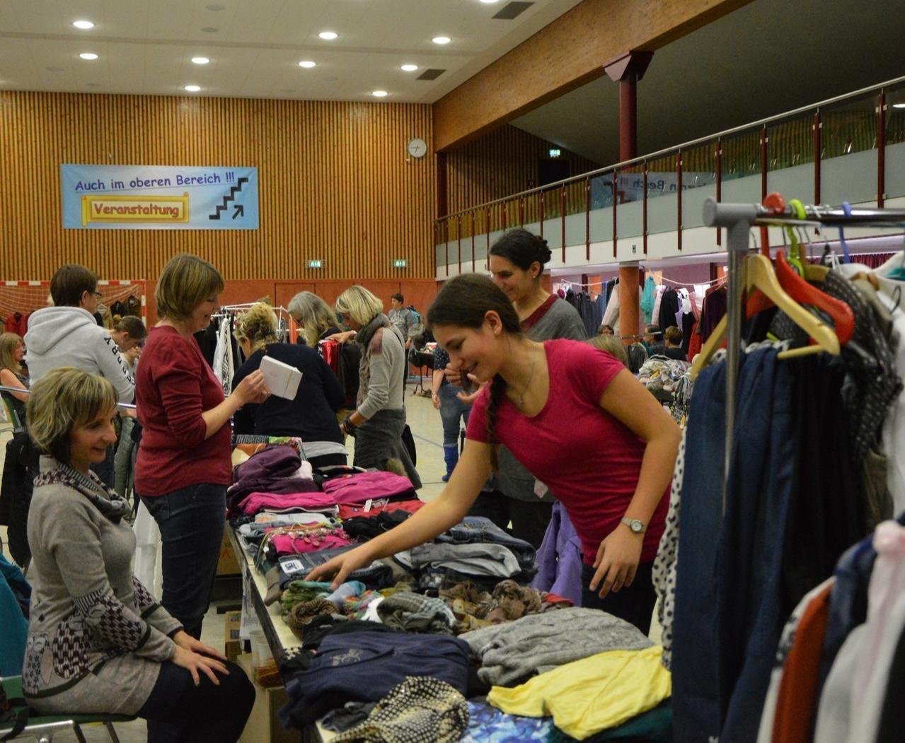 Anmeldungen für die Kleiderbörse
