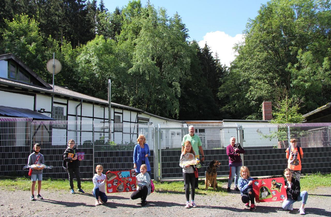 Kuscheltiere in der Grundschule verkauft