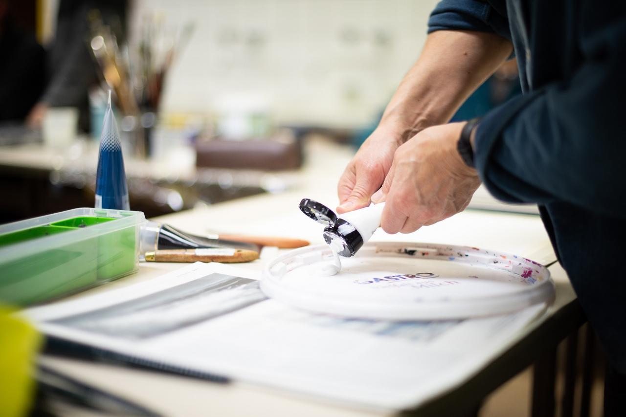 Kvhs-Kunstkurs zum Thema Farbe