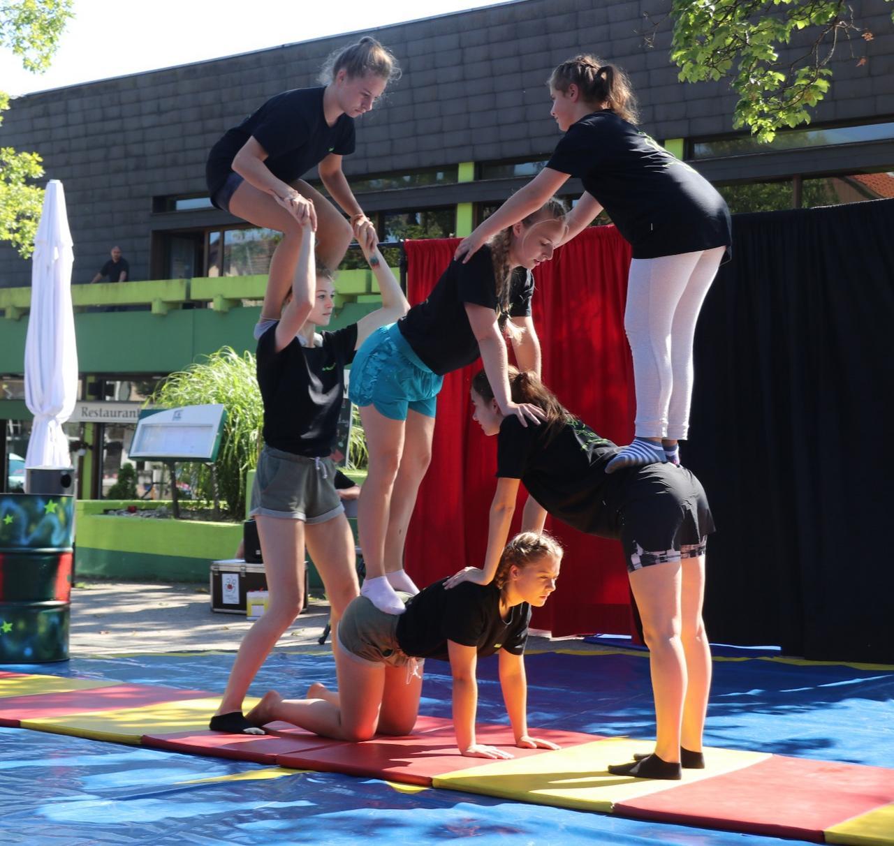 Artistik mit dem Ferien-Zirkus Paletti