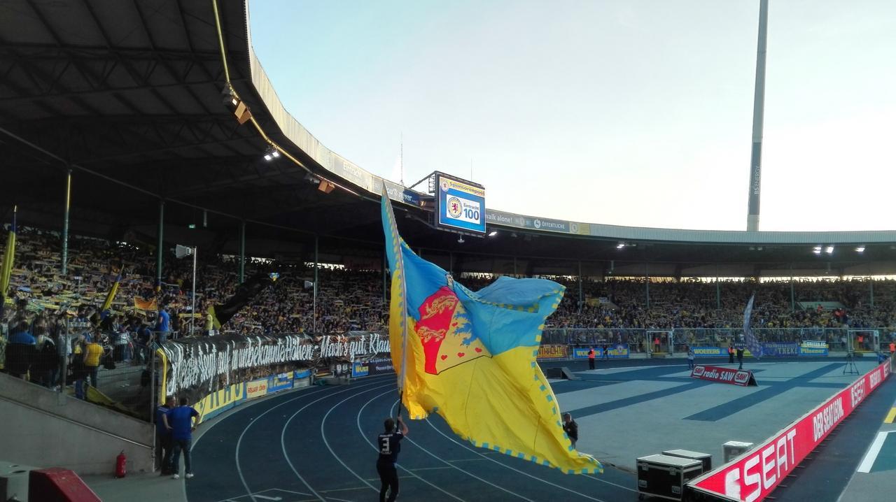 Spielbeginn in Braunschweig