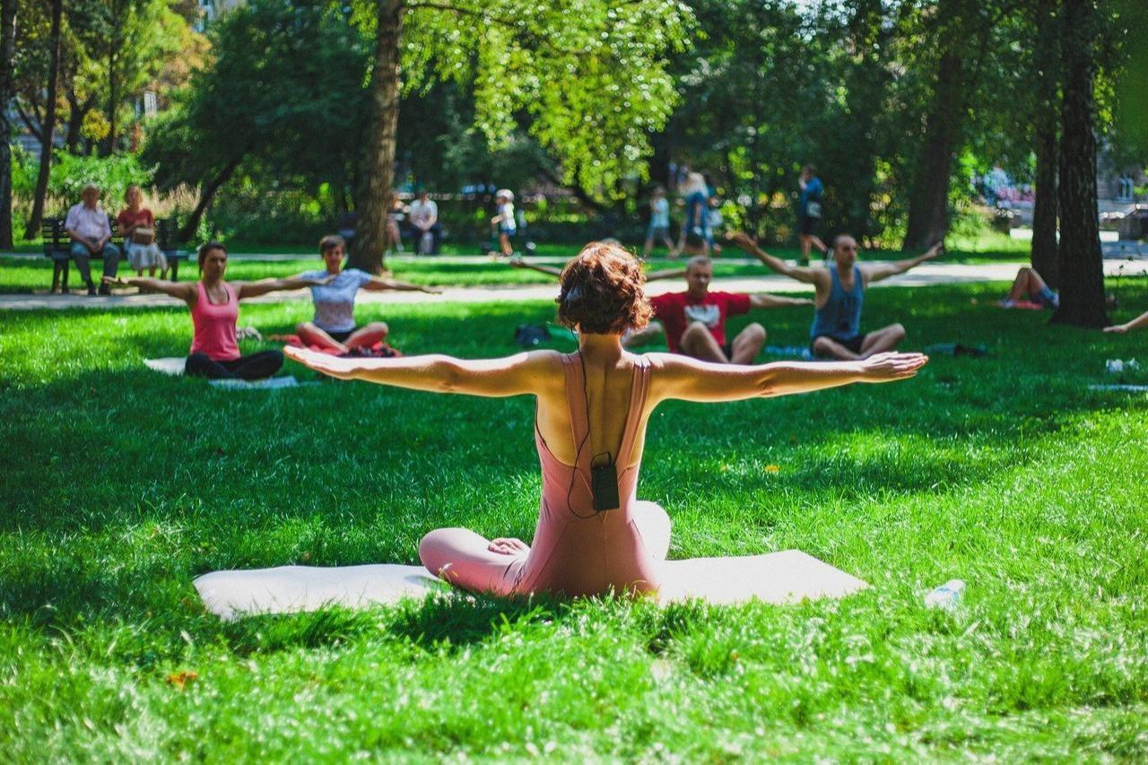 Yoga-Stunden im Freibad in Schladen
