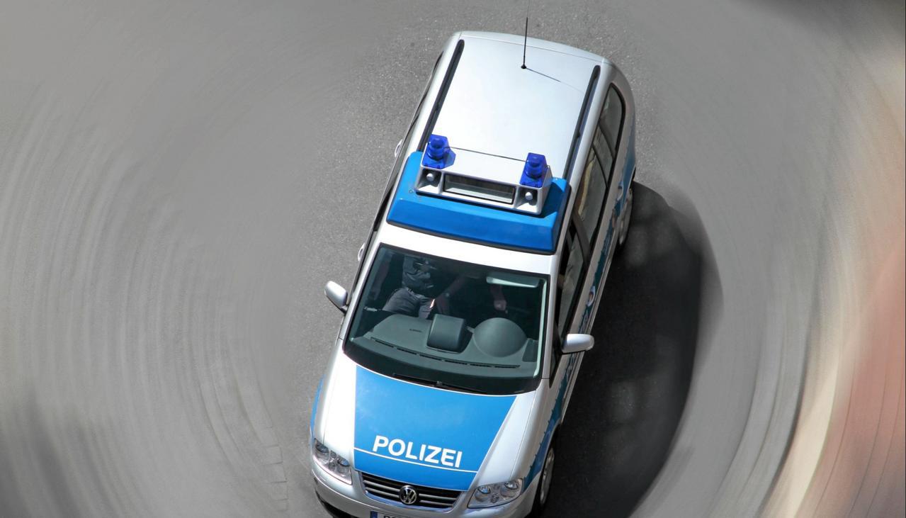 63-Jähriger steckt acht Autos an