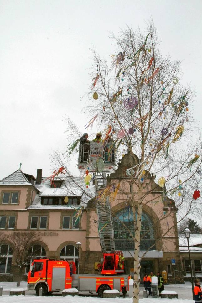Der Osterbaum ist geschmückt