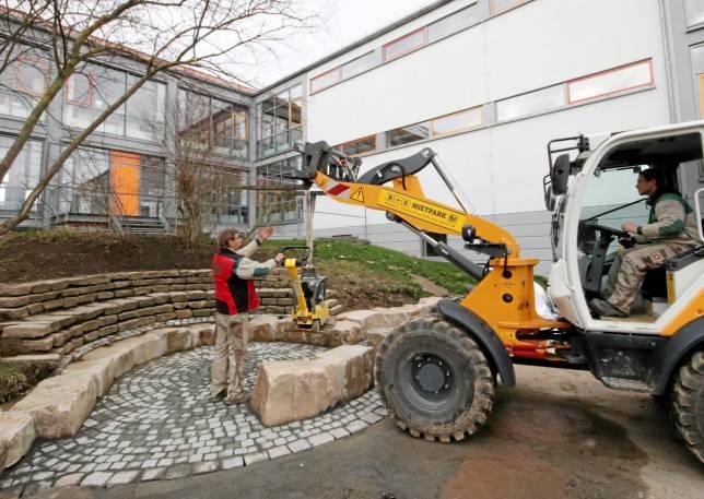 Bauarbeiten auf Schulhof