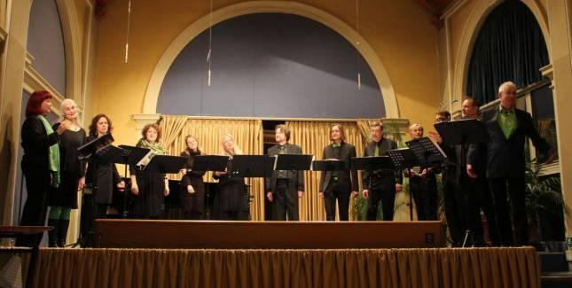 Feiner Gesang in der Wandelhalle