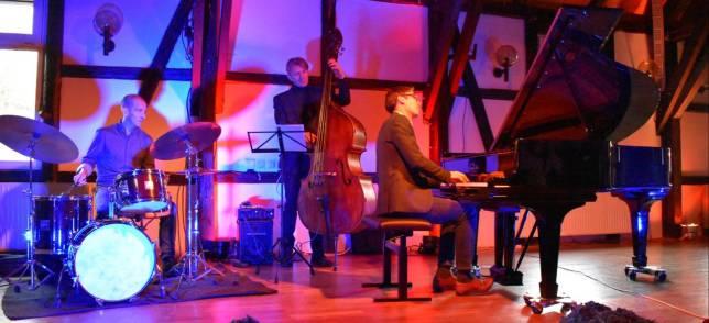 Heiße Jazz-Musik im kalten Saal
