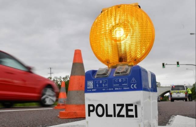 Blitzer-Anhänger in Langelsheim beklebt