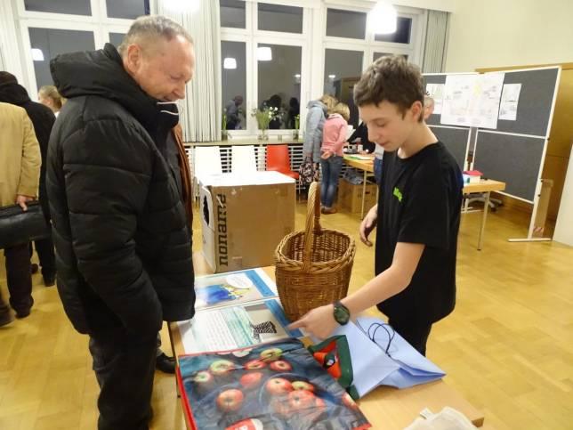 Schüler helfen bei klimafreundlichem Alltag