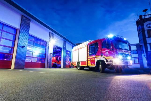 Feuerwehr evakuiert Gebäude