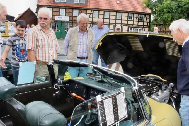 Oldtimer-Forum zeigt alte Fahrzeuge