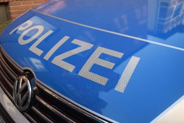 BMW zerkratzt und Reifen zerstochen