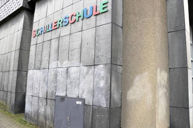 """""""Schmierfink"""" mit Schillerschulen-Vorliebe"""
