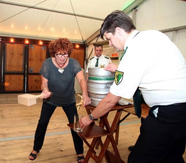 Sudmerberger feiern drei Tage im Festzelt