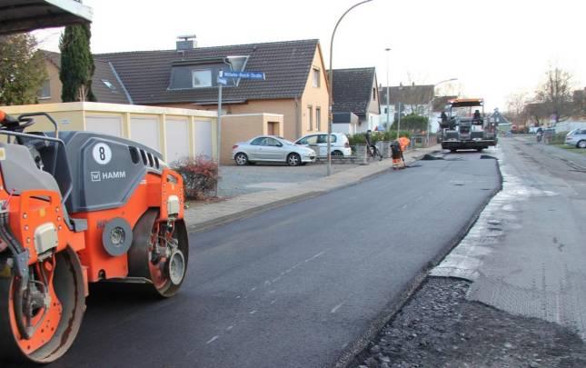 Arbeiten auf der Schladener Jahnstraße