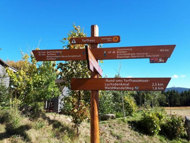 Neue Wanderwege-Schilder im Nationalpark