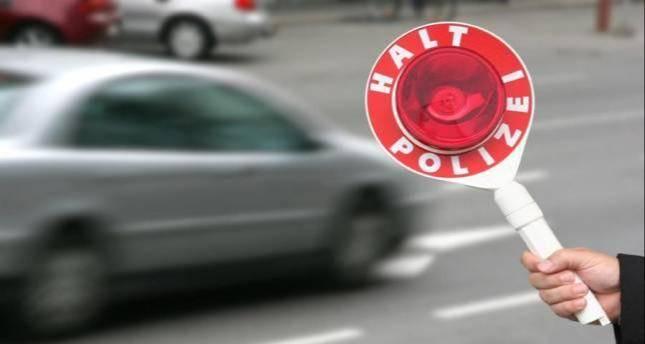 Beifahrer wurde mit Haftbefehl gesucht