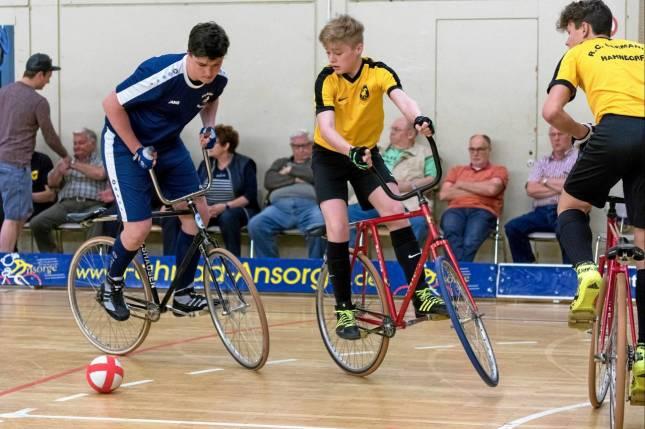 Hahndorfer Radballer holen Platz zwei