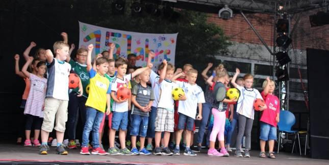 Kinderbretreuung Hugo feiert 15. Geburtstag